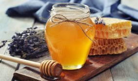 8 DIY honey treatments we love
